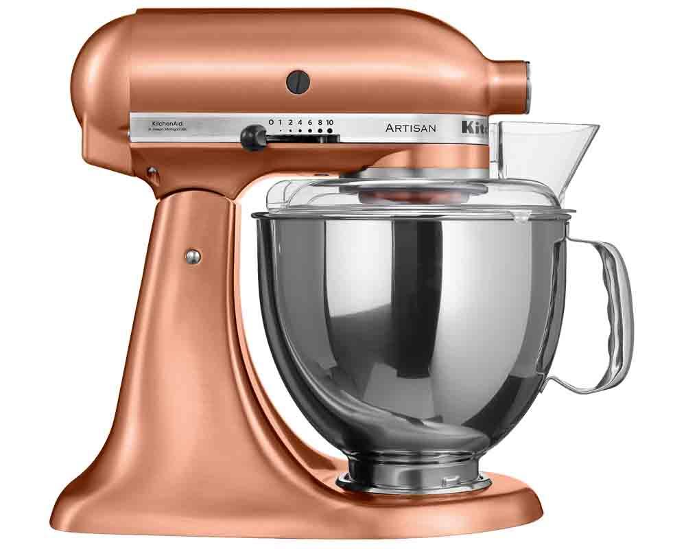 köksmaskinen KitchenAid Artisan Pris 9 995 kr hos bagarenochkocken.se.Även i köket är koppar en fortsatt trend och varför inte införliva glansen i matlagningen med den rejäla köksmaskinen KitchenAid Artisan Pris 9 995 kr hos bagarenochkocken.se.